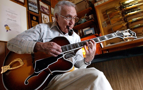 Guitarists Gather to Fete Johnny Smith