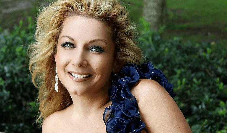 Vocalist Sarah Hayes Celebrates the Music of Artie Shaw